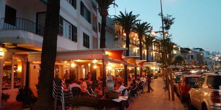 restaurant-644504_1920